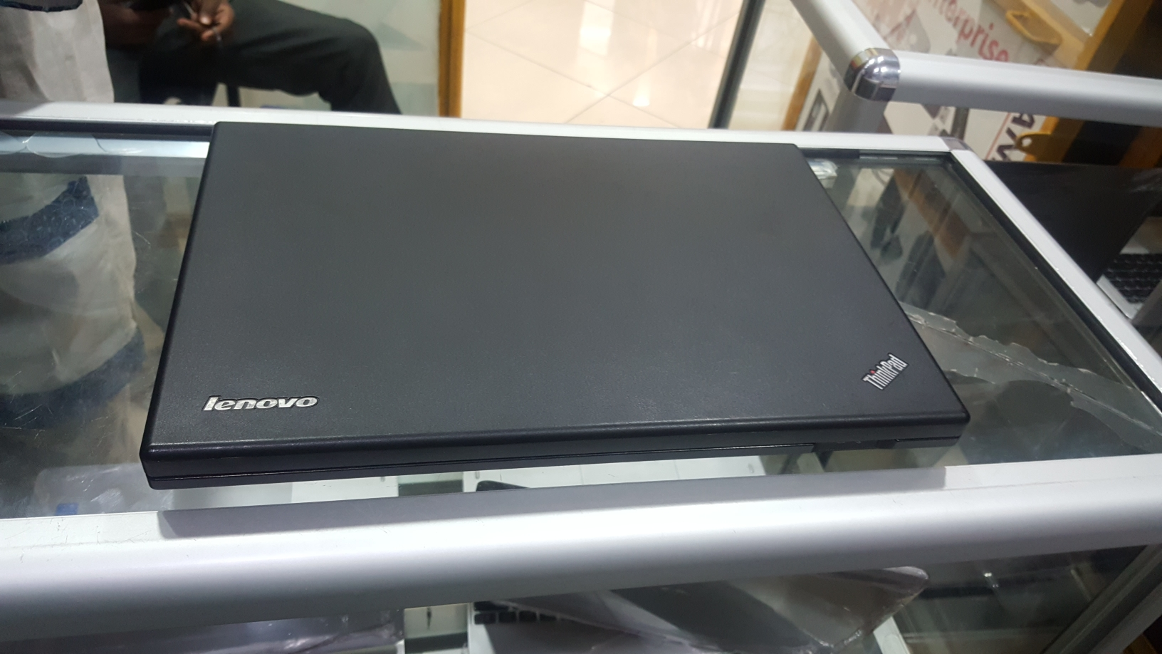 Lenovo T430 core i5 hdd 500gb ram 4gb prcs 2 50ghz dvd cam wifi